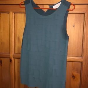 Women's LOFT tiered front tank top - medium NWOT